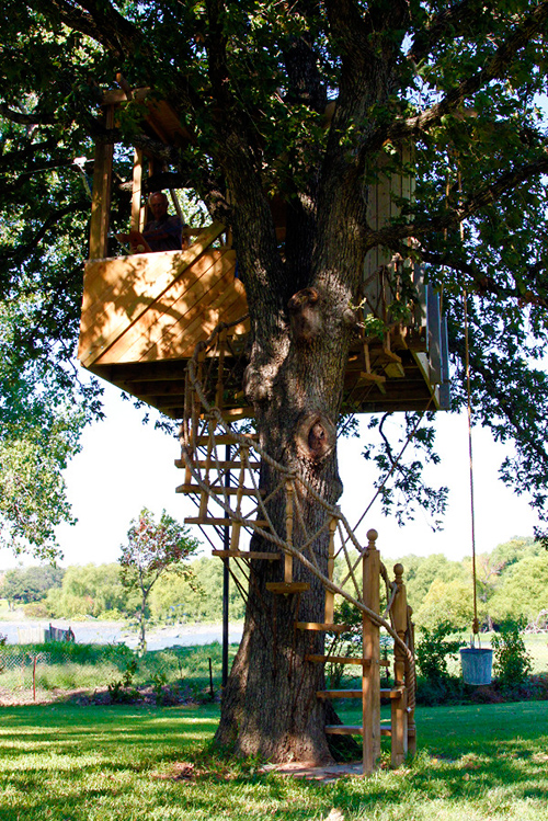Treehouses #60: Treehouse with spiral staircase.